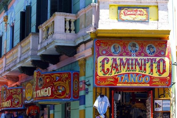 Rua Caminito, bairro de La Boca na Argentina.