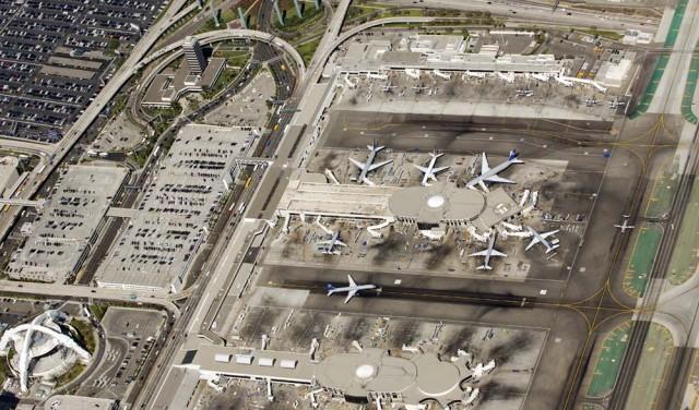 Aeroporto_internacional_de_Los_Angeles