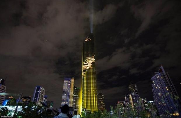 O efeito de pixel foi usado para dar a impressão de progresso, ideia de desenvolvimento, declarou o arquiteto do Maha Nakhon