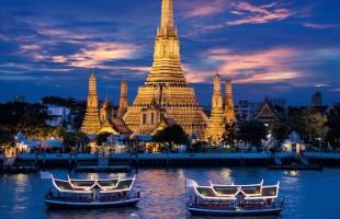 Templo Wat Arun, que fica na margem oeste do rio Chao Phraya